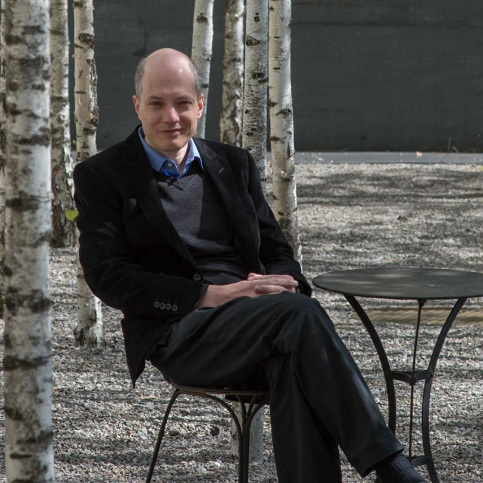 alain de botton essays in love amazon The course of love (audio download): alain de botton return to the novel by alain de botton, 20 years after his debut, essays in amazon bestsellers rank.