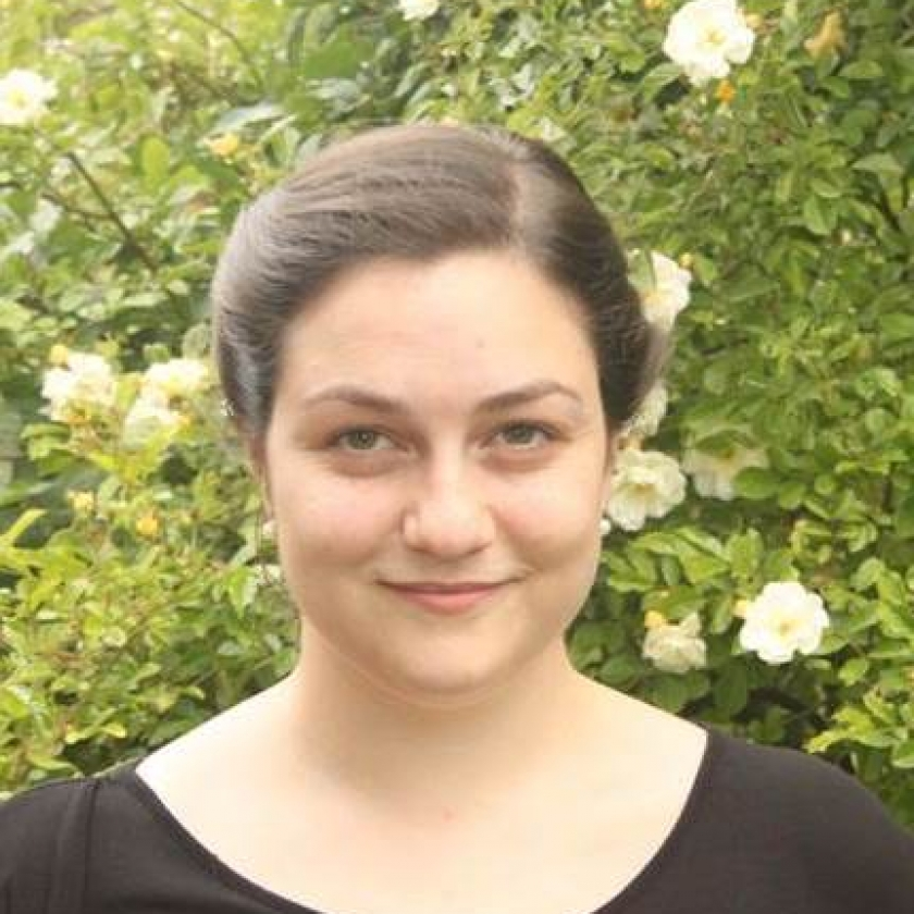 Sara Taylor author pic edt